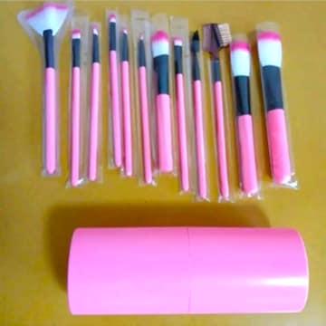 新品 メイクブラシ 化粧筆 化粧ブラシ フェスブラシ ピンク色