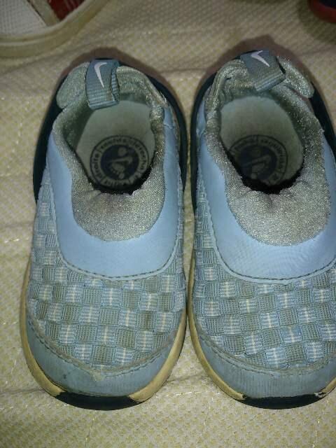 ナイキ。ブルー系。10センチ。靴  < キッズ/ベビーの