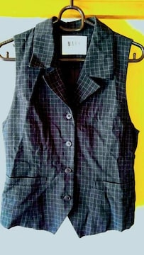 ベスト トップス 黒 ブラック M チェック 9号 サイズ相当 洋服