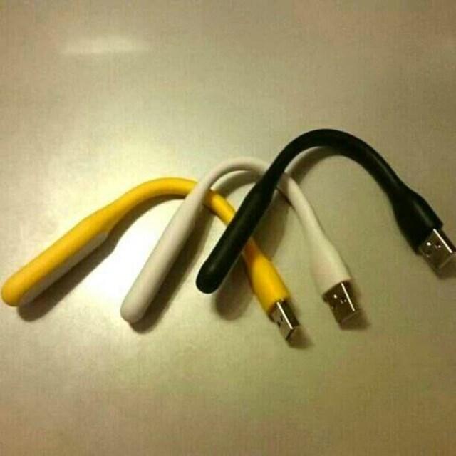 USBライト 高輝度LED搭載 キーボードや手元を明るく照らしま < PC本体/周辺機器の