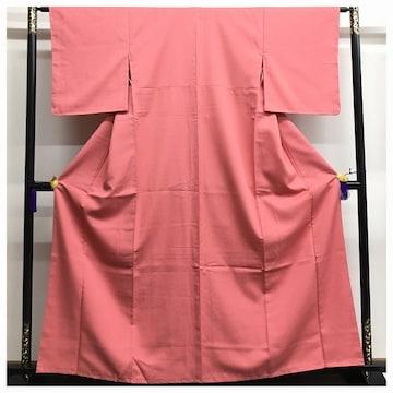 美品 未使用 化繊 色無地 身丈158 裄63.5 ピンク 一つ紋 中古