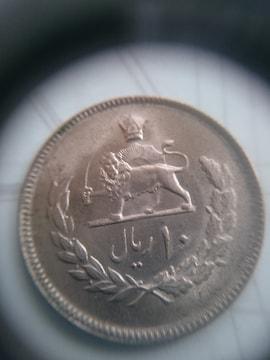 イラン 刀を持つライオン�A