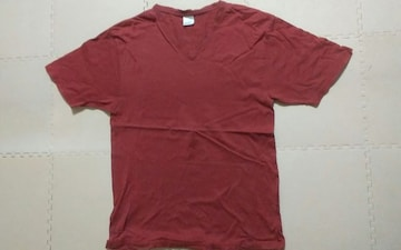 エンジのTシャツ Mサイズ