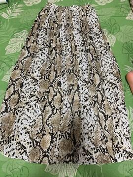 美品 パイソン柄 ロングプリーツスカート