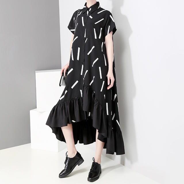 ロング丈ワンピース Aライン フレアスカート ブラック 半袖 < 女性ファッションの