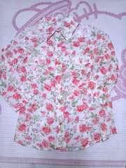 花柄七分シャツ