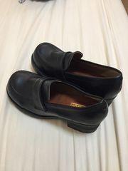 黒のローファー・革靴・中古 24�p