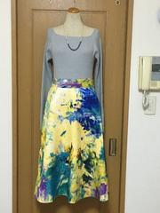 未使用 H&M ジャガードプリントのミモレ丈スカート♪