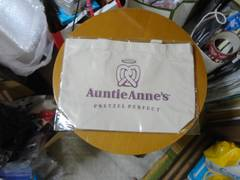 プレッツェルのお店のトートバッグ
