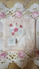 ☆ローラアシュレイ☆シルク混タオルハンカチ刺繍