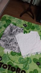 交渉アリ★新品¥12960((INDIVI/上品大きめの薔薇柄スカート白