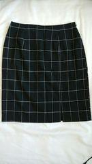 黒 ミニタイトスカート 前スリット