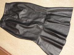 未使用☆ソフトラムレザー膝丈スカート*セクシー(黒)