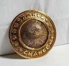 正規美 シャネルCHANEL ヴィンテージ オーバルロゴ文字ブローチ金 ゴールド アンティーク