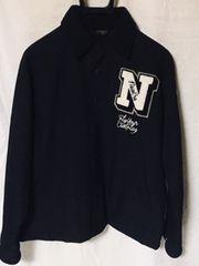 NEWERA☆裏地迷彩胸ロゴ入りワッペン+刺繍ラグラン黒JKT:大きめM