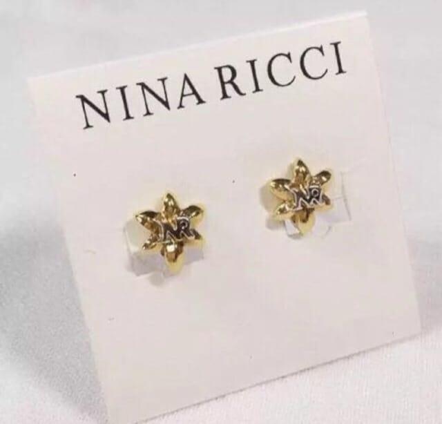 NINA RICCIニナリッチ ロゴ入りフラワーイヤリング Gold < ブランドの