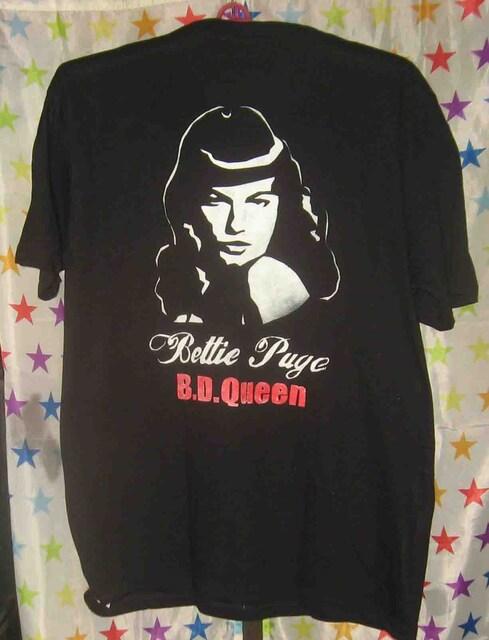 ベティ・ペイジ Bettie Page【手描きペイントTシャツ】  < 男性ファッションの
