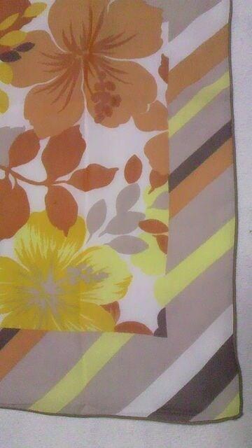 SHREANU〓バイアスボーダー柄&トロピカルハイビスカス柄シースルーシフォンロングスカートパレオ < 女性ファッションの