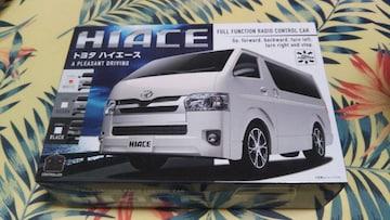 TOYOTA HIACE ラジコン(ホワイト)!
