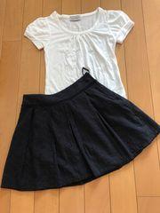 黒。ミニレーススカート。