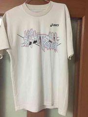 アシックスのバスケットTシャツ。バックプリントがかっこいい!