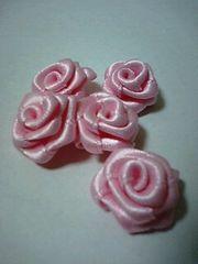 ピンクのサテンリボンの薔薇10個セット
