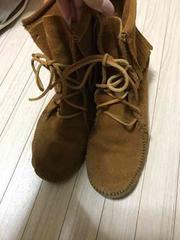 100スタMINNETONKA サイズ6  茶  ブーツ