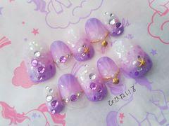 紫グラデ,貝殻アクセサリー風,短めショートオーバルネイル