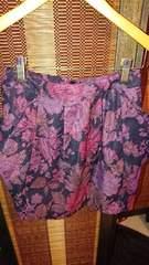 ■新品BLISSPOINT黒×赤花柄ゴブラン風両脇ポケットスカート■
