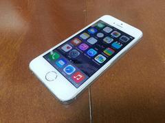 即落/即発!!美中古品 iPhone 5s 64GB シルバー 一括支払い済