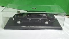 LUXURY   dieーcast   1:43 2009 Presidential    Limousine