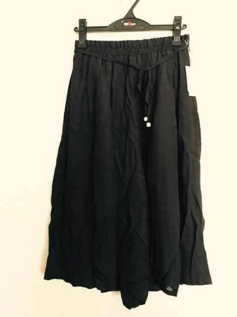 《新品》スカーチョ 7分丈 Lサイズ ブラック  < 女性ファッションの