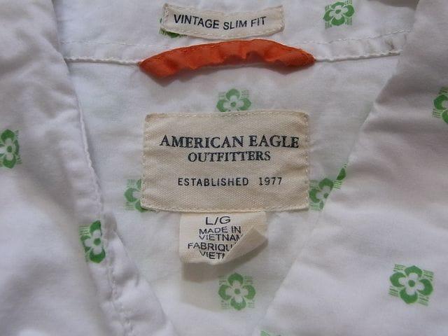 即決USA古着AEアメリカンイーグル総柄デザインシャツ!アメカジビンテージ < ブランドの