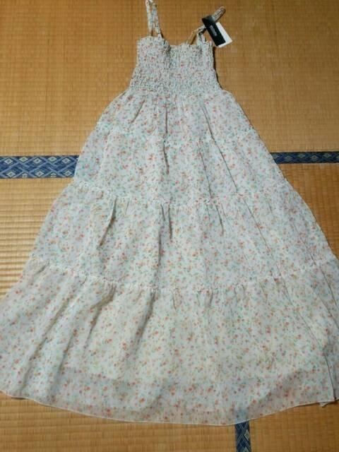 ☆マキシ丈小花柄ワンピース☆  < 女性ファッションの