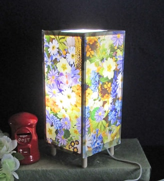 灯りの宿り木≪花束の贈り物です≫神秘な明かりの温もりを!!