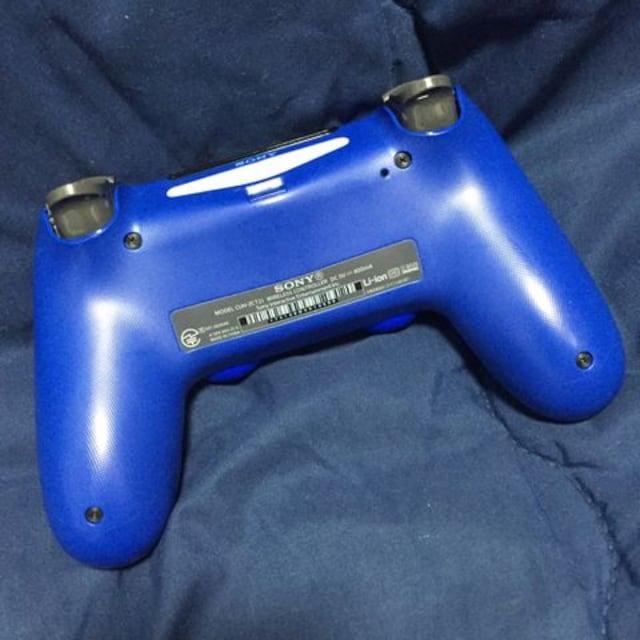 美品 新型デュアルショック4 PS4コントローラー ウェイブブルー < ゲーム本体/ソフトの