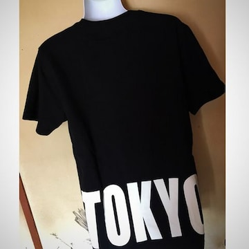【GU】新品★流行TOKYOバックロゴプリントTシャツ★黒M