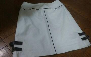67ー93 白 膝上スカート 美品