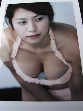 ■佐藤ゆりな■ビキニ水着 美巨乳谷間 チェキ 写真 ポラ(即決)